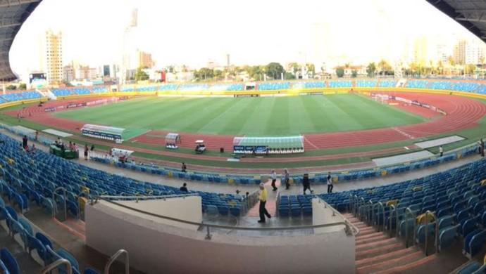 Estádio Olímpico de Goiânia - Atlético-GO x Joinville - Série B 2016 (Foto: Victor Hugo Araújo / TV Anhanguera)