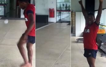 Em recuperação no Atlético-PR, Pará mostra habilidade com bola de meia
