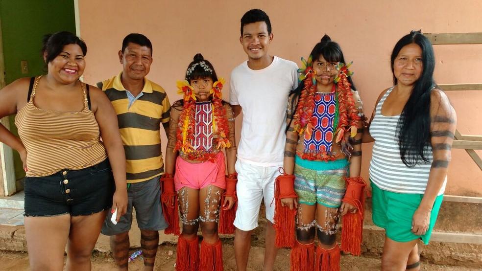 João Paulo Hakuwi Kuady (c) ao lado da família (Foto: Arquivo Pessoal)