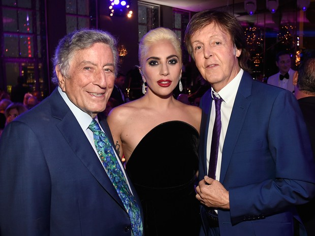Tony Bennett, Lady Gaga e Paul McCartney em festa em Nova York, nos Estados Unidos (Foto: Kevin Mazur/ Getty Images)