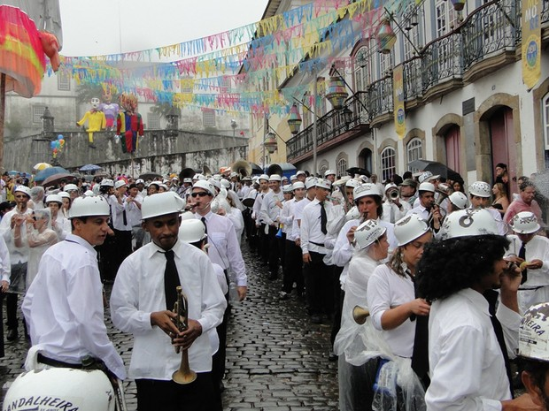 Bloco Bandalheira arrasta multidão em Ouro Preto (Foto: Pedro Triginelli/G1 MG)