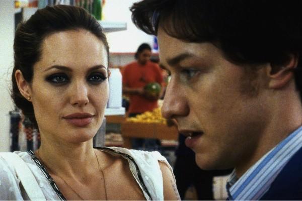 Angelina Jolie e James McAvoy (Foto: Divulgação)
