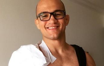 """BLOG: Cigano passa por cirurgia no ombro e acalma fãs: """"Já estou em casa relaxando"""""""