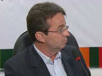 João da Costa convocou coletiva para defender sua gestão (Foto: Reprodução TV Globo)