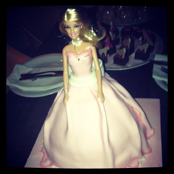 Detalhe do bolo de Bárbara Evans (Foto: Instagram/ Reprodução)