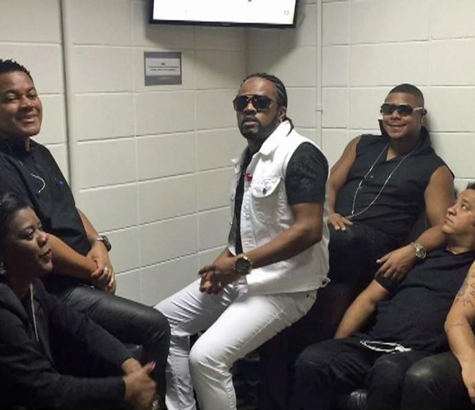 Xande de Pilares e banda acompanham Olimpíada nos bastidores do Encontro (Foto: Gshow)