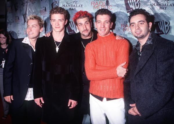 Lance Bass, Justin Timberlake, JC Chasez, Chris Kirkpatrick e Joey Fatone - os membros do *NSYNC em 1999 (Foto: Getty Images)