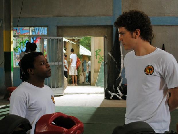 Gabriel chama Janjão para uma conversa (Foto: Malhação / Tv Globo)