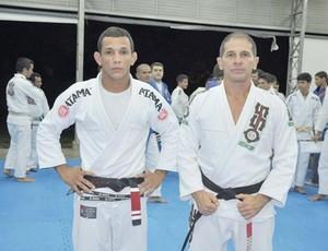 Pascoal Duarte juntamente com o Mestre Márcio Alves (Foto: Divulgação)