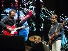 Los Hermanos faz seu maior show cheio de hits e vazio de surpresas