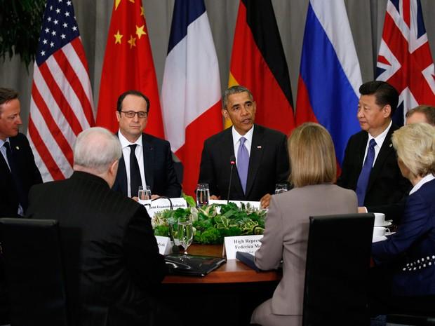 Barack Obama durante cúpula nuclear em Washington com Jonh Kerry, David Cameron, François Hollande e Xi Jinping  (Foto: Kevin Lamarque/Reuters)
