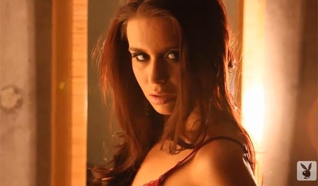 Cristy Nicole Deweese pode ser demitida por ter posado para a Playboy (Foto: Reprodução/YouTube/Playboy)