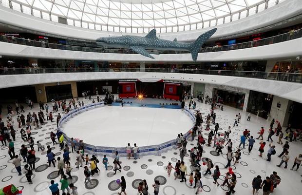 Homem mais rico da China abre parque temático Wanda para 'derrotar Disney'