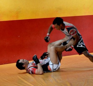 Bradok e Máximo durante treinos para o Amazon Combat (Foto: Quésia Melo)