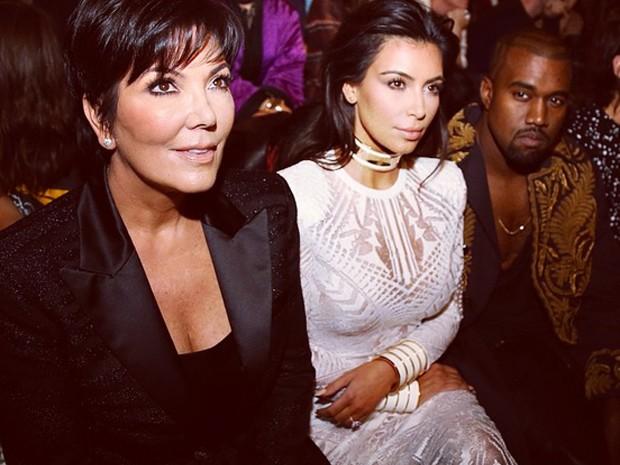 Kris Jenner, Kim e Kanye na fila A. (Foto: Reproduo / Instagram)