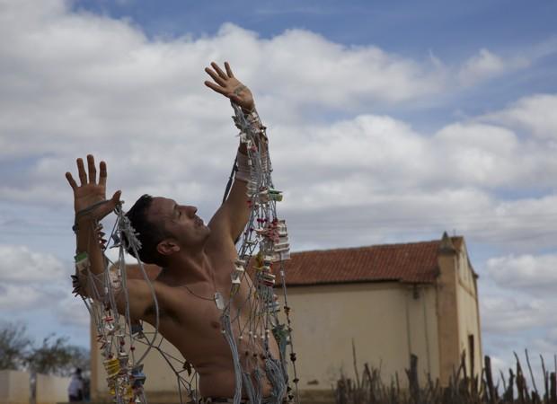 Atuação de Irandhir Santos chama a atenção e emociona (Foto: Nicolas Hallet  / Divulgação)