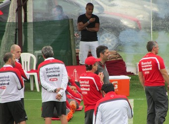Deivid ex-centroavante Inter Abel estágio técnico Florianópolis (Foto: Tomás Hammes/ GloboEsporte.com)