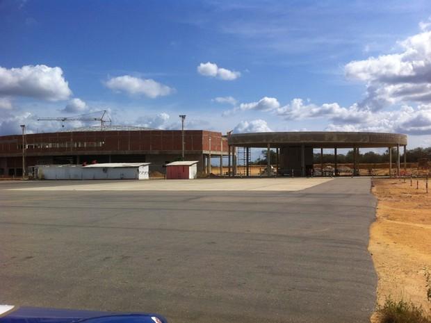 Obras do aeroporto de São Raimundo Nonato iniciaram há 10 anos (Foto: Darlan Ribeiro de Oliveira)