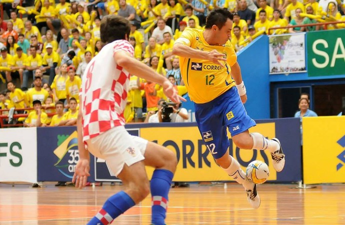 Futsal legend Falcao scores brilliant volley & nearly claims rainbow flick goal for Brazil v Croatia