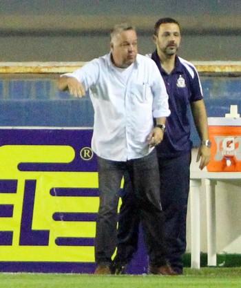 Gol de Juninho, josué teixeira, macaé x criciúma (Foto: Tiago Ferreira / Macaé Esporte)