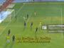 """Colombiano faz gol com """"golpe de taekwondo"""" e impressiona narrador"""