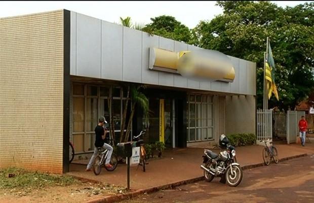 Banco não divulgou valor retirado do cofre da agência em Goiás (Foto: Reprodução/TV Anhanguera)