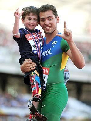 Alan Fonteles comemoração atletismo Londres (Foto: Getty Images)
