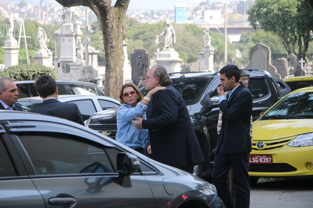 Amigos e familiares no velório de Ivo Pitanguy (Foto: Fabio Moreno/Agnews)