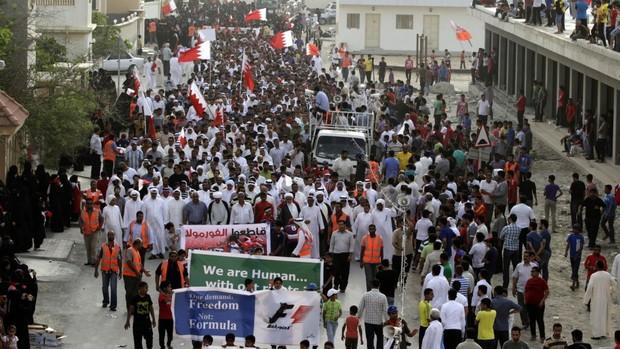 Protestos seguem no Bahrein (Foto: AP)