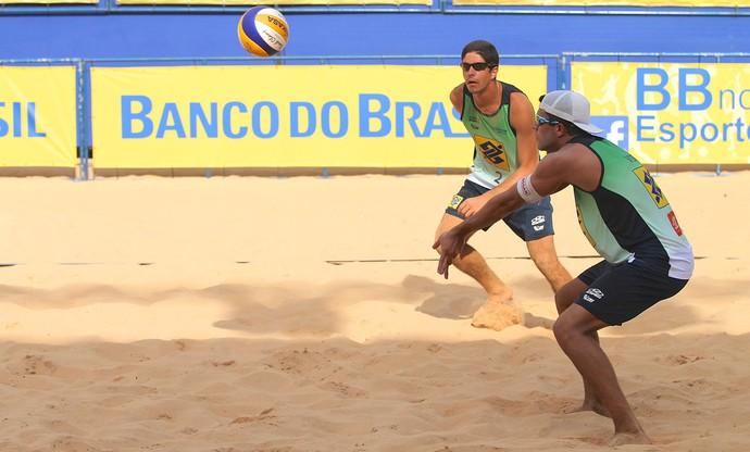Alvinho e Vítor Felipe, Vôlei de Praia  (Foto: Paulo Frank / CBV)