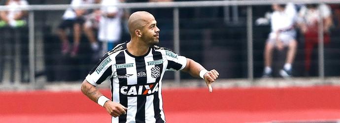Mazola comemora gol do Figueirense contra o São Paulo (Foto: Miguel Schincariol / Agência estado)