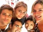 Grazi Massafera tira selfie com Gagliasso e Giovanna Ewbank