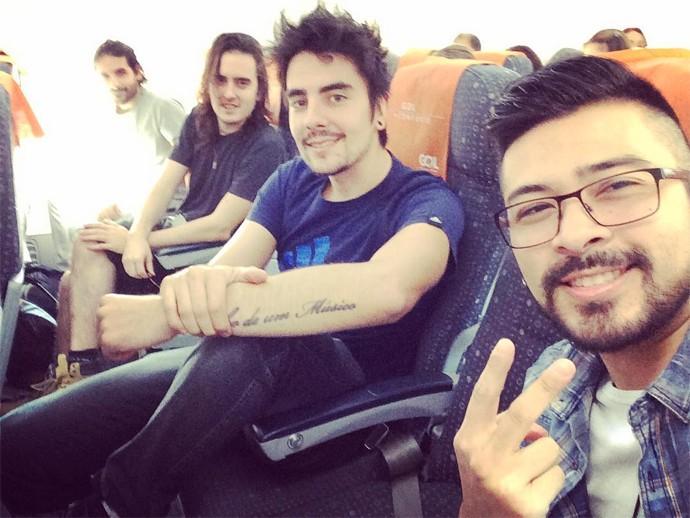 Selfie dos meninos da Pagan John na viagem para o Rio de Janeiro para a estreia no SuperStar (Foto: Arquivo pessoal)