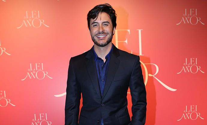 Ricardo Tozzi vai interpretar o político Augusto em 'A Lei do Amor' (Foto: Carol Caminha/Gshow)