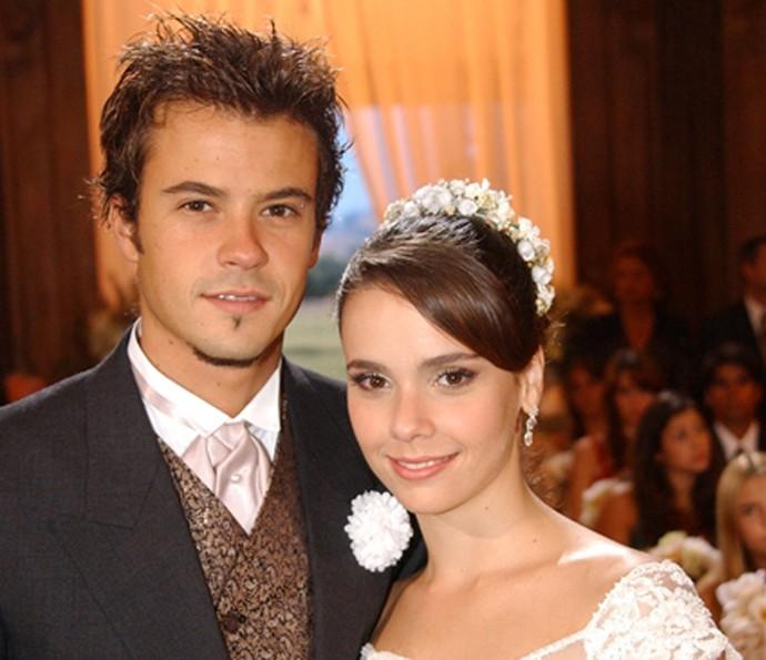 Débora Falabella fez par romântico com Paulo Vilhena (Foto: TV Globo)