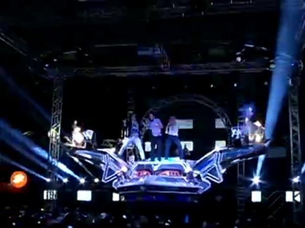 """Tom Zé sobe na """"Nave do Som"""" do Super Pop (Foto: Gil Sóter/G1) (Foto: Reprodução/ TV Liberal)"""