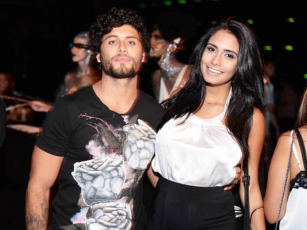 Jesus Luz e a namorada, Ana Carolina, em festa no Centro do Rio (Foto: Ari Kaye/ Divulgação)