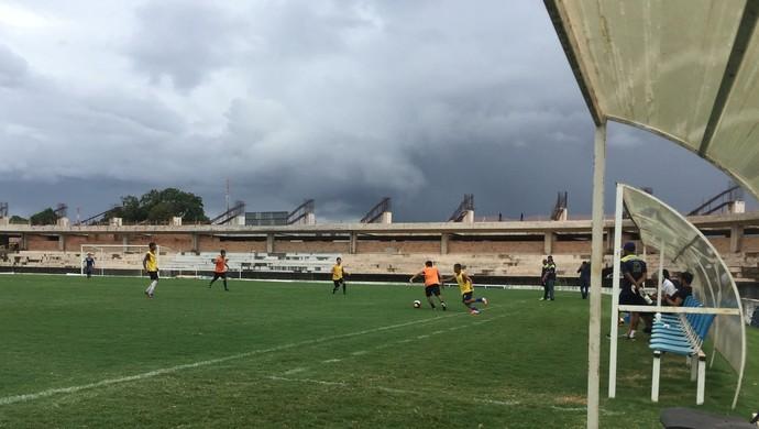 Atividades foram realizadas no Estádio Colosso do Tapajós no sábado (15) (Foto: Dominique Cavaleiro/GloboEsporte.com)