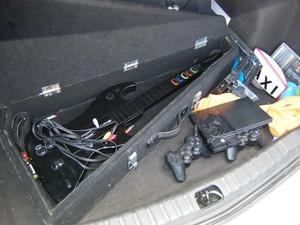 Táxi de Aldnax Marques tem até vídeo game para clientes (Foto: Gustavo Xavier/G1)