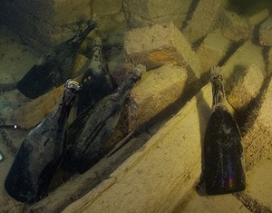 Veuve Clicquot cria adega especial no fundo do mar