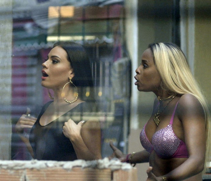 Alisson e Ninfa vão atrás de Merlô e fazem provocação (Foto: TV Globo)