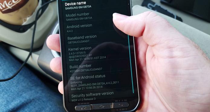 S5 Active apareceu em vídeo (Foto: Reprodução YouTube)