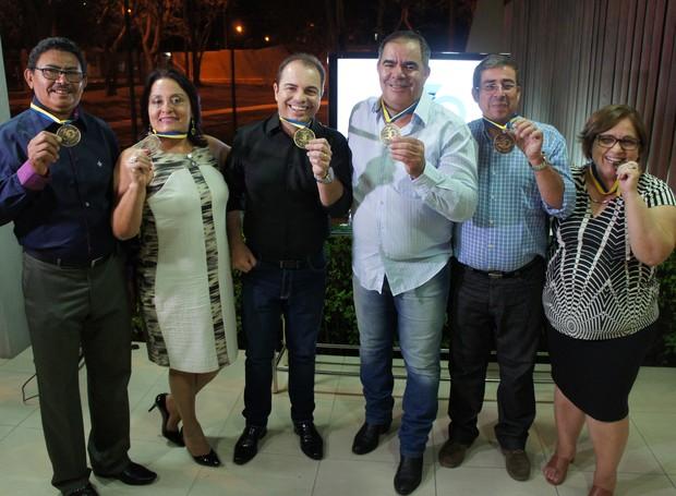 Em Campina Grande, seis funcionários com 30 anos de casa foram receber a homenagem (Foto: Daniel Sousa/TV Paraíba)