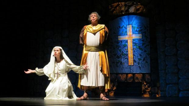 Espetáculo 'Um Amor de Renúncia' é destaque no Cine Teatro Coliseu (Foto: Divulgação)