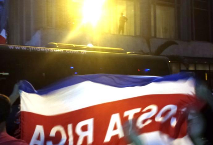 Los partidarios de Costa Rica a la salida de los Países Bajos AUTOBUSES (Foto: Alexandre Alliatti)