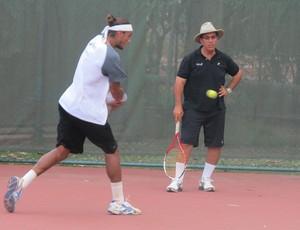 """tenis joão souza feijão ricardo acioly """"pardal"""" treino rio de janeiro (Foto: Matheus Tibúrcio)"""