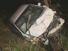 Veículo capota, avança dentro de mata e um fica ferido em Campinas