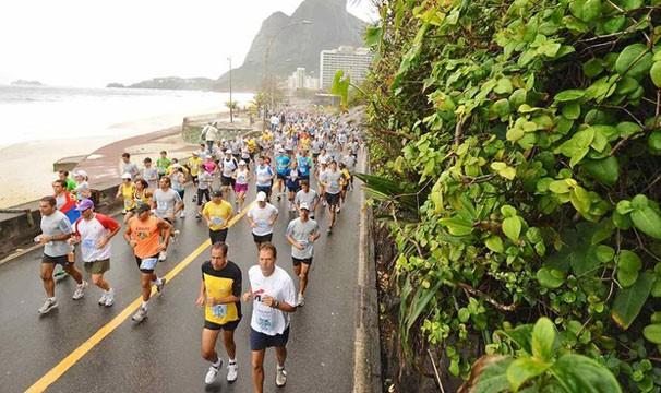 Competidores na meia maratona de 2011 (Foto: Sérgio Shibuya / MBraga Comunicação)