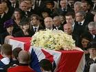 Cortejo fúnebre de Margaret Thatcher tem aplausos e xingamentos