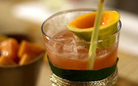 Vulcão de Moorea: drinque tropical tem mamão e suco de limão